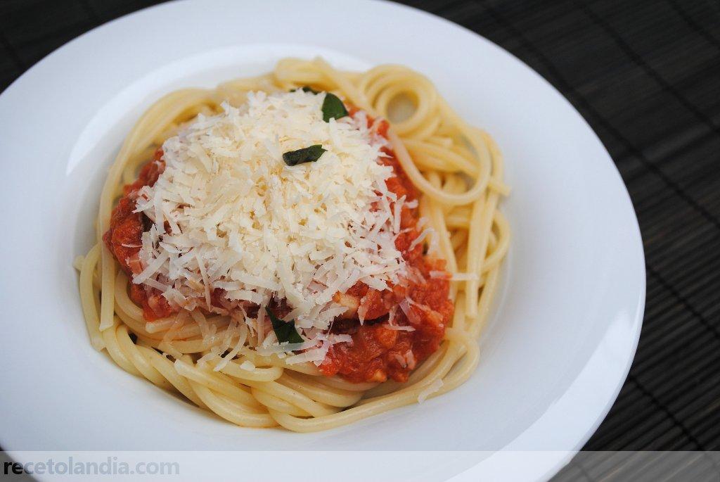 Spaguettis con bonito